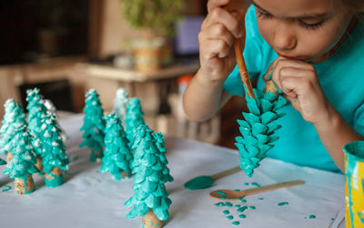 Inexpensive Holiday Crafts for Military Families