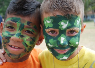 boys-with-camo-face-paint-550